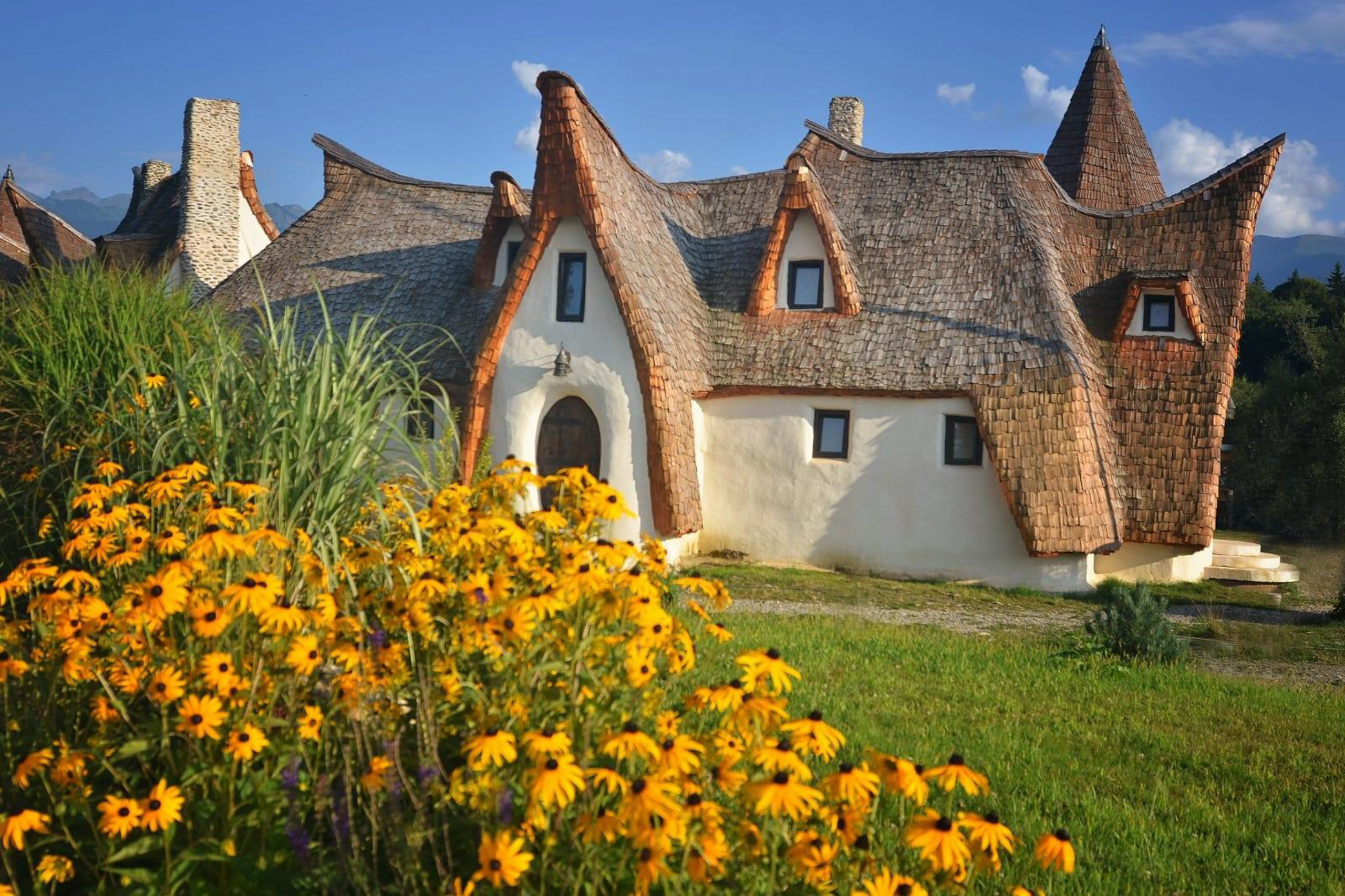 Castelul de Lut Valea Zanelor Sibiu Romania - Vara